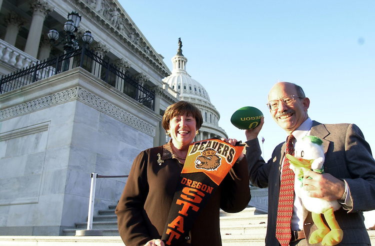 "1Beer111400 -- Darlene Hooley, D-Ore., and , Peter DeFazio, D-Ore., made a bet on who was going to win the University of Oregon vs. Oregon State football match-up. If  DeFazio's ducks win his office gets Hooley's district micro brewery ""Rogue"" beer. If the ""Beavers"" win, DeFazio will have to supply Hooley's office with a case or so of his home brew."