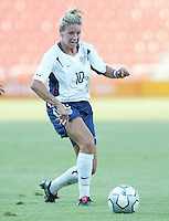 17 August 2004:  Aly Wagner in action against Australia at Kaftanzoglio Stadium in Thessaloniki, Greece.     USA tied Australia at 1-1.   Credit: Michael Pimentel / ISI