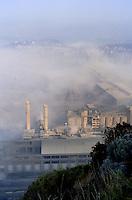- the Bagnoli industrial area  before its closing (Naples) ....- l'area industriale di Bagnoli prima della sua chiusura (Napoli)