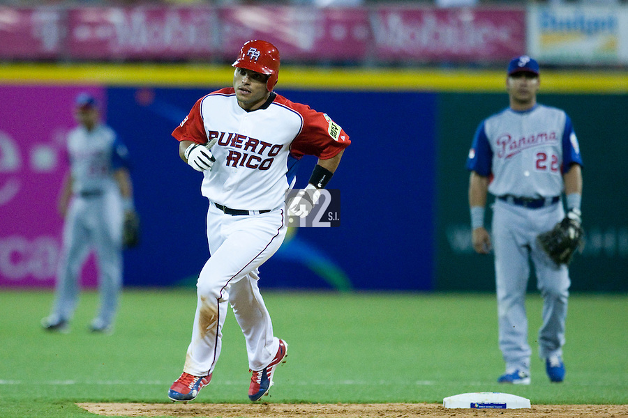 7 March 2009: #7 Ivan Rodriguez of Puerto Rico runs the bases after his second homerun during the 2009 World Baseball Classic Pool D match at Hiram Bithorn Stadium in San Juan, Puerto Rico. Puerto Rico wins 7-0 over Panama.