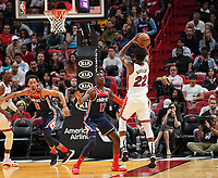 Jimmy Butler (G/F Miami Heat, #22) gegen Isaac Bonga (G/F, Washington Wizards, #17) - 22.01.2020: Miami Heat vs. Washington Wizards, American Airlines Arena