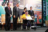 ATENÇAO EDITOR: FOTO EMBARGADA PARA VEÍCULOS INTERNACIONAIS. SAO PAULO, 11 DE SETEMBRO DE 2012.  GOVERNADOR ALCKMIN RECEBE ATLETAS PARAOLIMPICOS. O atleta Dirceu Jose Pinto durante a  entrega para  os atletas paraolimpicos da medalha do Mérito Esportivo na manha desta terça feira no Palacio dos Bandeirantes, na zona sul da capital paulista. FOTO ADRIANA SPACA - BRAZIL PHOTO PRESS