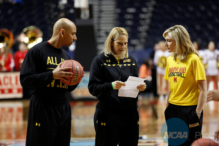 05 APR 2014:  The Open Practice Day and Autograph Sessions take place as part of the 2014 NCAA Women's Basketball Final Four in Nashville, TN.  Trevor Brown Jr./NCAA Photos