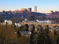 Viadukt in Clausen, Europazentrum auf dem Kirchberg, Luxemburg-City, Luxemburg, Europa<br /> Viaduct in Clausen, Eurpean center, Luxembourg City, Europe