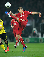 FUSSBALL      DFB POKAL FINALE       SAISON 2011/2012 Borussia Dortmund - FC Bayern Muenchen   12.05.2012 Holger Badstuber (FC Bayern Muenchen) Einzelaktion am Ball