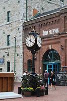 TORONTO, CAN, 29.09.2019 - TURISMO-TORONTO - Movimentação no Bairro Histórico de Distillery District, na cidade de Toronto, Canadá, neste domingo, 29. (Foto Charles Sholl/Brazil Photo Press)