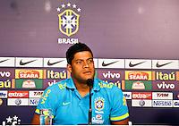 ATENÇÃO EDITOR: FOTO EMBARGADA PARA VEÍCULOS INTERNACIONAIS - SÃO PAULO,SP,04 SETEMBRO 2012 - COLETIVA SELEÇÃO BRASILEIRA - Hulk durante entrevista coletiva na tarde de hoje no  CT do São Paulo em Cotia.FOTO ALE VIANNA - BRAZIL PHOTO PRESS.