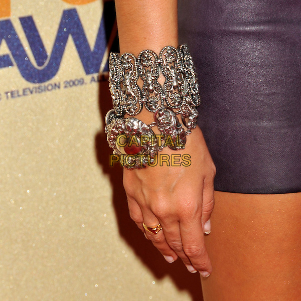 ASHLEY TISDALE'S BRACELET .18th Annual MTV Movie Awards - Arrivals held at the Universal Gibson Amphitheater, Universal City, CA, USA..May 31st, 2009.hand silver cuff jewelry jewellery ring  purple.CAP/ADM/BP.©Byron Purvis/AdMedia/Capital Pictures.