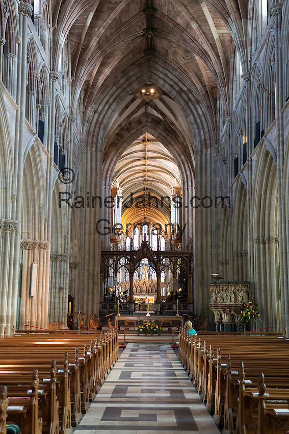 United Kingdom, England, Worcestershire, Worcester: Nave of Worcester Cathedral | Grossbritannien, England, Worcestershire, Worcester: Kirchenschiff der Worcester Cathedral