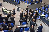 Staatsakt fuer den am 4. Januar 2018 verstorbenen ehemaligen Bundestagspraesident Dr. Philipp Jenninger am Donnerstag den 17. Januar 2018 im Deutschen Bundestag.<br /> Im Bild vlnr: Bundestagspraesident Wolfgang Schaeuble. Dahinter Bundespraesident Frank-Walter Steinmeier mit der Witwe Jenningers. Hinter dem Bundespraesident Bundeskanzlerin Angela Merkel mit Eminenz Walter Kardinal Kasper. Als letze betreten der ehem. Praesident des Bundesverfassungsgericht Andreas Vosskuhle und der Regierende Buergermeister von Berlin Michael Mueller (vlnr) den Saal.<br /> 18.1.2018, Berlin<br /> Copyright: Christian-Ditsch.de<br /> [Inhaltsveraendernde Manipulation des Fotos nur nach ausdruecklicher Genehmigung des Fotografen. Vereinbarungen ueber Abtretung von Persoenlichkeitsrechten/Model Release der abgebildeten Person/Personen liegen nicht vor. NO MODEL RELEASE! Nur fuer Redaktionelle Zwecke. Don't publish without copyright Christian-Ditsch.de, Veroeffentlichung nur mit Fotografennennung, sowie gegen Honorar, MwSt. und Beleg. Konto: I N G - D i B a, IBAN DE58500105175400192269, BIC INGDDEFFXXX, Kontakt: post@christian-ditsch.de<br /> Bei der Bearbeitung der Dateiinformationen darf die Urheberkennzeichnung in den EXIF- und  IPTC-Daten nicht entfernt werden, diese sind in digitalen Medien nach &sect;95c UrhG rechtlich geschuetzt. Der Urhebervermerk wird gemaess &sect;13 UrhG verlangt.]