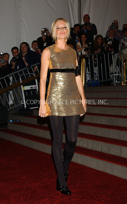 "WWW.ACEPIXS.COM . . . . .....May 1 2006, New York City.......Sienna Miller ....The ""Anglomania"" themed Annual Costume Gala at the Metropolitan Museum of Art on the Upper East Side of Manhattan.  ....Please byline: Kristin Callahan - ACEPIXS.COM..... *** ***..Ace Pictures, Inc:  ..Philip Vaughan (212) 243-8787 or (646) 769 0430..e-mail: info@acepixs.com..web: http://www.acepixs.com"