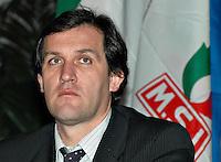 """Roma 09/12/04 Manifestazione di Alleanza Nazionale """"Giù le tasse"""". Nella foto Roberto Menia, Vice Presidente alla Camera di AN.<br /> Photo Samantha Zucchi Insidefoto"""