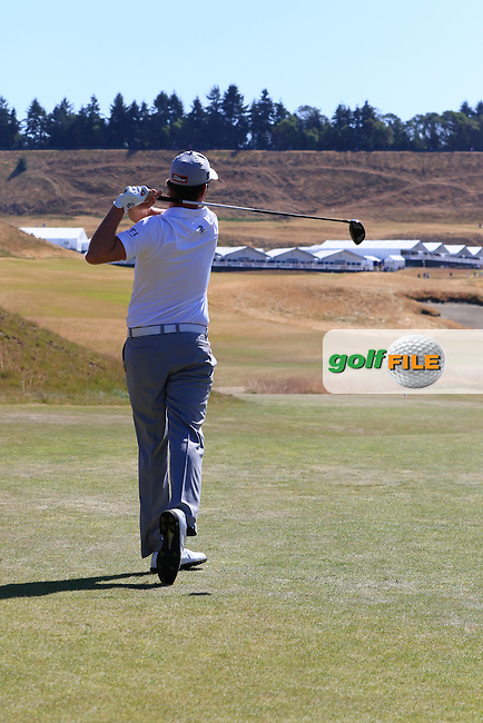 Webb SIMPSON (USA) tees off the 18th tee during Wednesday's Practice Day of the 2015 U.S. Open 115th National Championship held at Chambers Bay, Seattle, Washington, USA. 6/17/2015.<br /> Picture &copy; Golffile/Eoin Clarke