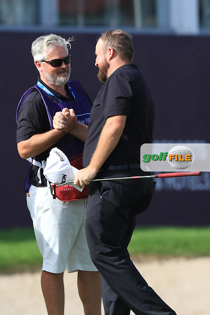 Shane Lowry (IRL) on the 18th green during Round 4 of the Omega Dubai Desert Classic, Emirates Golf Club, Dubai,  United Arab Emirates. 27/01/2019<br /> Picture: Golffile | Thos Caffrey<br /> <br /> <br /> All photo usage must carry mandatory copyright credit (© Golffile | Thos Caffrey)