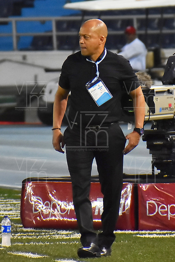 BARRANQUILLA- COLOMBIA, 24-03-2019:Luis Fernando Herrera director técnico del Atlético Huila contra el  Atlético Junior  durante partido por la fecha 11 de La Liga Aguila I 2019 ,jugado en el estadio Metropolitano Roberto Meléndez de la ciudad de Barranquilla / Luis Fernando Herrera coach  of Atletico Huila  agaisnt of  Atletico Junior during match for the date 11 as part Aguila League I 2019 between Atletico Junior and  Atletico Huila played at Metropolitano Roberto Melendez  stadium in Barranquilla city.  Photo: VizzorImage /Alfonso Cervantes / Contribuidor