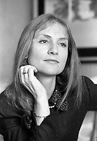 Montreal (Qc) CANADA -1988 File Photo -<br /> Isabelle Huppert.<br /> <br /> <br /> <br /> <br /> photo (c) Pierre Roussel - Images Distribution