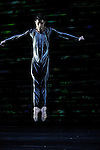 FORELLENQUINTETT....Chorégraphie  Martin Schläpfer..Décor, costumes & vidéo Keso Dekker..Lumières & vidéo Franz-Xaver Schaffer..avec  23 danseurs..Compagnie : BALLETT AM RHEIN..Le 27/11/2012..Lieu : Théâtre de la Ville..Ville : PARIS..© Laurent Paillier / photosdedanse.com..All rights reserved