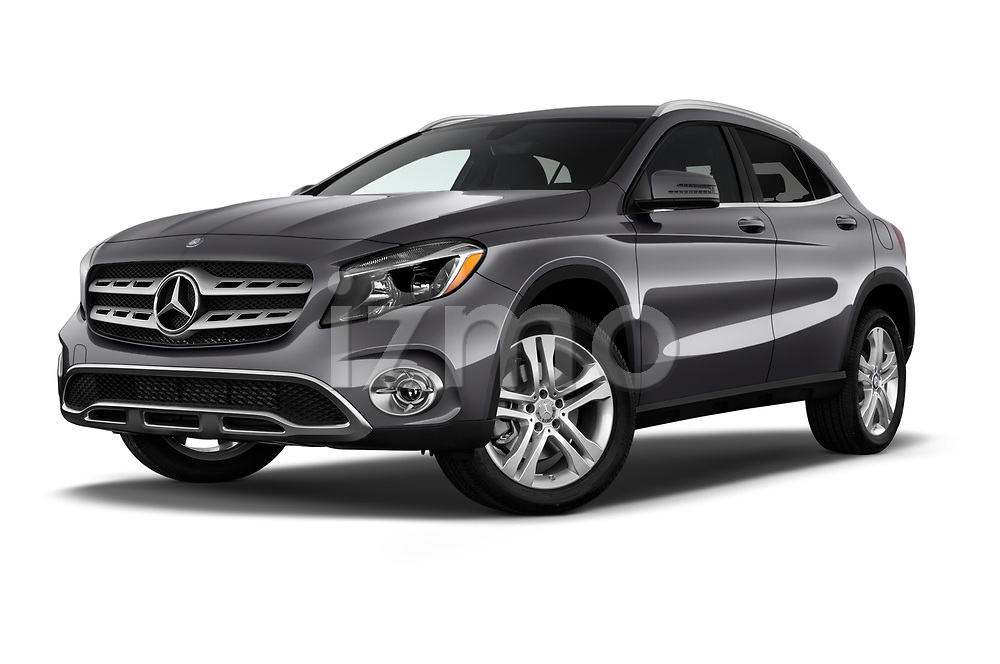 Stock pictures of low aggressive front three quarter view of a 2018 Mercedes Benz GLA 250 4MATIC 5 Door SUV