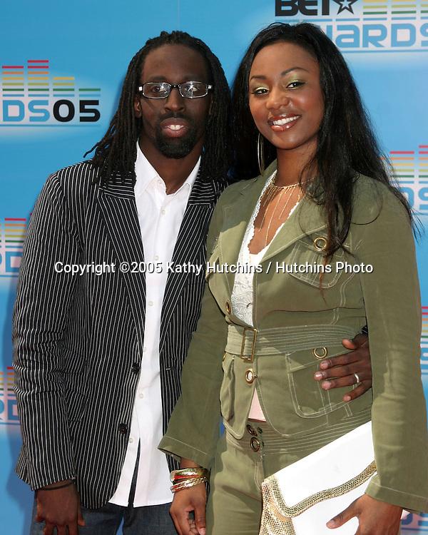 Tye Tribbett.and wife Shante.BET Awards.Kodak Theater.Los Angeles, CA.June 28, 2005.©2005 Kathy Hutchins / Hutchins Photo....