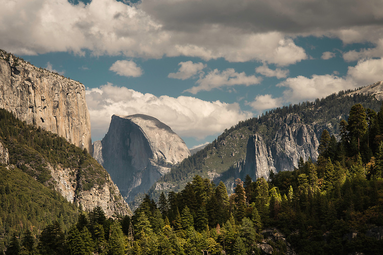 September 2014 / Yosemite National Park landscapes /  Tunnel View detail from Tunnel View lookout area showing Elcapitan on left, Half Dome in center and Cathedral rocks at right / Photo by Bob Laramie