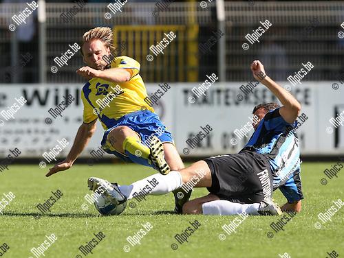 2009-08-23 / Voetbal / Cofidis Cup / Rupel-Boom - SK Beveren / Pieter Collen met Jens Verroken (r, Rupel-Boom)..Foto: Maarten Straetemans (SMB)