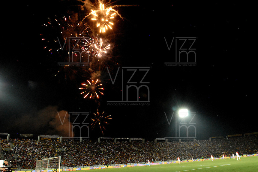 IBAGUÉ -COLOMBIA, 14-12-2016. Aspecto del partido de ida entre Deportes Tolima e Independiente Santa Fe por la final de la Liga Águila II 2016 jugado en el estadio Manuel Murillo Toro de Ibagué./ Aspect of the first leg final match between Deportes Tolima and Independiente Santa Fe of the Aguila League II 2016 played at Manuel Murillo Toro stadium in Ibague city. Photo: VizzorImage/ Gabriel Aponte / Staff