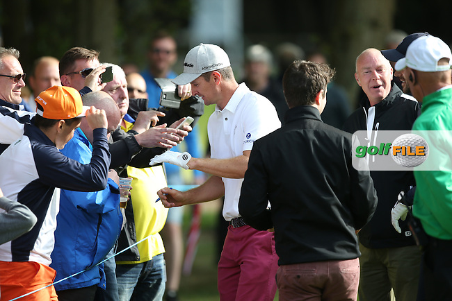 """Come on my son!"" Chirpy Londoners welcome Justin Rose (ENG) and Jamie Redknapp during the Pro-Am ahead of the 2015 BMW PGA Championship over the West Course at Wentworth, Virginia Water, London. Picture David lloyd, www.golffile.ie: 20/05/2015"