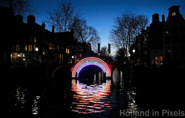 Nederland  Amsterdam 2016. Bridge of the Rainbow. Foto Berlinda van Dam / Hollandse Hoogte