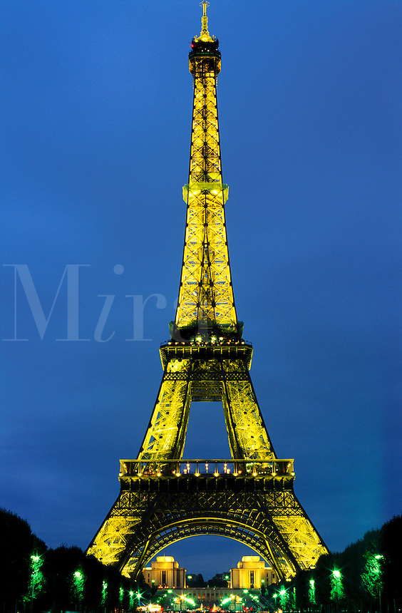 France, Paris. The Eiffel Tower at night
