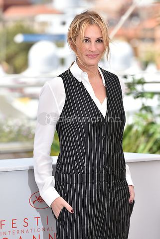 Julia Roberts at 'Money Men' photocell during the 69th International Cannes Film Festival, France<br /> May 12, 2016<br /> CAP/PL<br /> &copy;Phil Loftus/Capital Pictures /MediaPunch ***NORTH AMERICA AND SOUTH AMERICA ONLY***