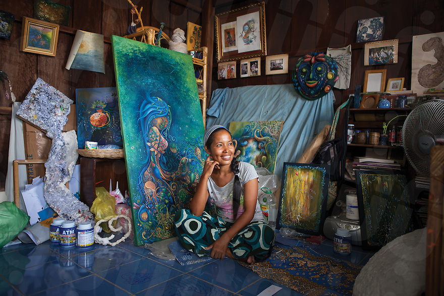 August 14, 2012 - Battambang, Cambodia. Artist Khao Touch in her studio. © Nicolas Axelrod / Ruom