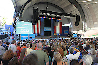 Rock legend Bruce Springsteen sang and rallied support for President Barack Obama during a free concert held Tuesday afternoon at the nTelos Wireless Pavilion in Charlottesville, Va.