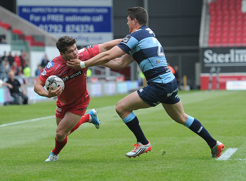 Scarlets' Harry Robinson in action during todays match<br /> <br /> Photographer Ashley Crowden/CameraSport<br /> <br /> Rugby Union - Guinness PRO12 - Scarlets v Cardiff Blues - Sunday 10th May 2015 - Parc y Scarlets - Llanelli<br /> <br /> &copy; CameraSport - 43 Linden Ave. Countesthorpe. Leicester. England. LE8 5PG - Tel: +44 (0) 116 277 4147 - admin@camerasport.com - www.camerasport.com