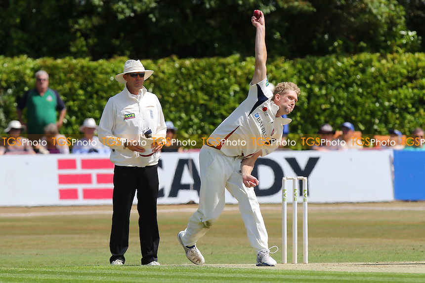 Callum Haggett in bowling action for Kent CCC