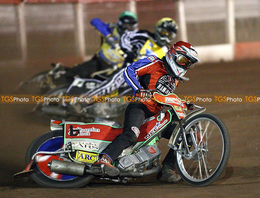 Heat 2 - Ricky Kling (red) ahead of Shaun Tacey (yellow) and Cameron Woodward - Lakeside Hammers vs Eastbourne Eagles - Elite League Knockout Cup Quarter Final 1st Leg at Arena Essex -  14/09/07  - MANDATORY CREDIT: Gavin Ellis/TGSPHOTO - SELF-BILLING APPLIES WHERE APPROPRIATE. NO UNPAID USE. TEL: 0845 094 6026..