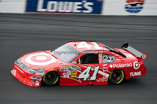 Nascar sprint cup series bank of america 500 thesportswire for Lowe s motor speedway