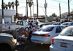VENDORS HAWK DRIVERS WHILE STUCK in MEXICALI TRAFFIC