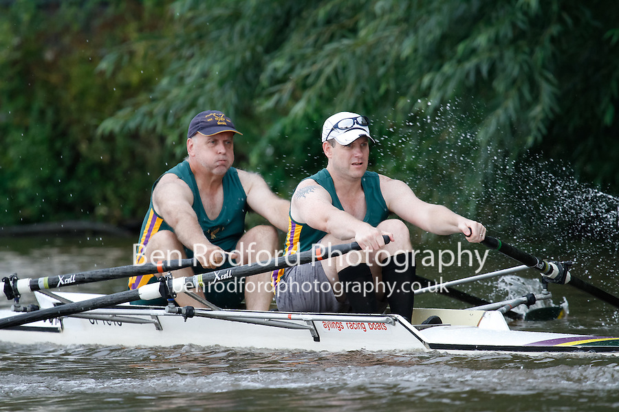 MasB/C.NOV.2x  Semi  (133) Upton RC (MasC) vs (134) Liverpool Victoria (Mas C)<br /> <br /> Saturday - Gloucester Regatta 2016<br /> <br /> To purchase this photo, or to see pricing information for Prints and Downloads, click the blue 'Add to Cart' button at the top-right of the page.