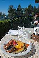 C- Le Bellerive Restaurant at Fairmont Le Manoir Richelieu, Charlevoix Quebec CA 7 14