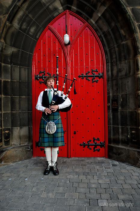 Bagpiper player, Edinburgh,