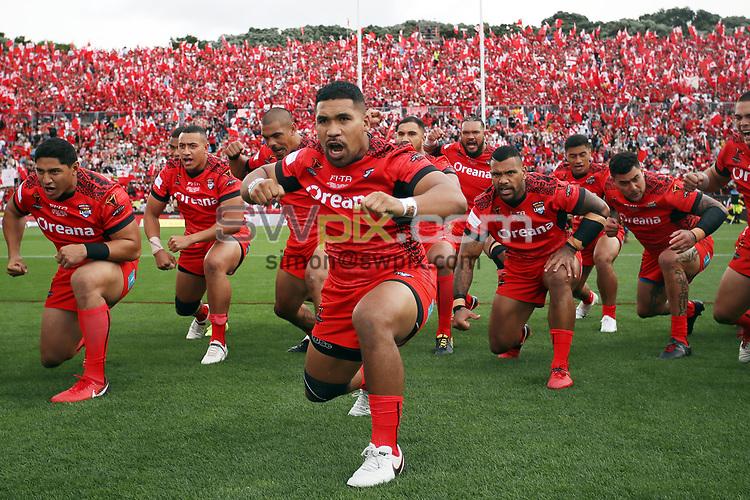 Tonga perform the Haka.<br /> England v Tonga, Semi-Final, Rugby League World Cup 2017. RLWC2017. Mt Smart Stadium, Auckland New Zealand. Saturday 25 November 2017 &copy; Copyright Photo: NRL Photos MANDATORY BYLINE/CREDIT : Andrew Cornaga/SWpix.com/PhotosportNZ