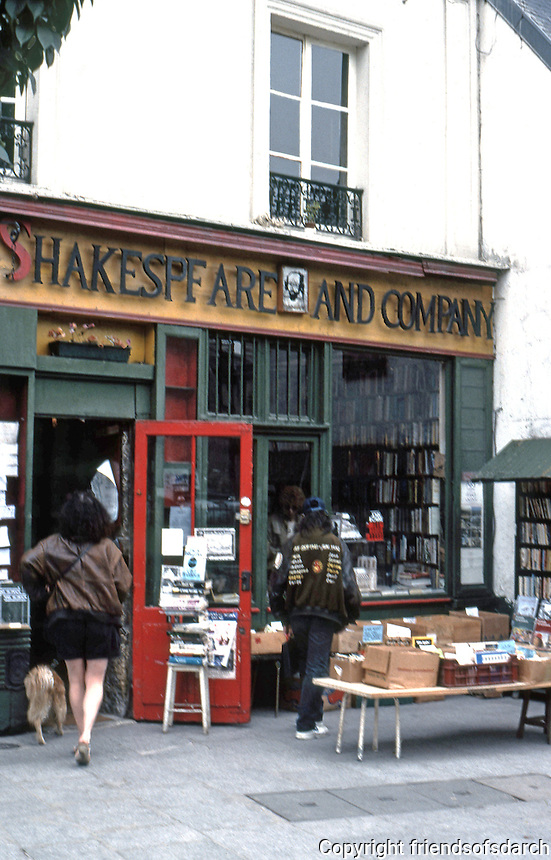 Paris: Shakespeare and Company, 37 Rue de la Bucherie. Famous 1950's lending library and bookstore. Hangout for famous writers. Photo '90.