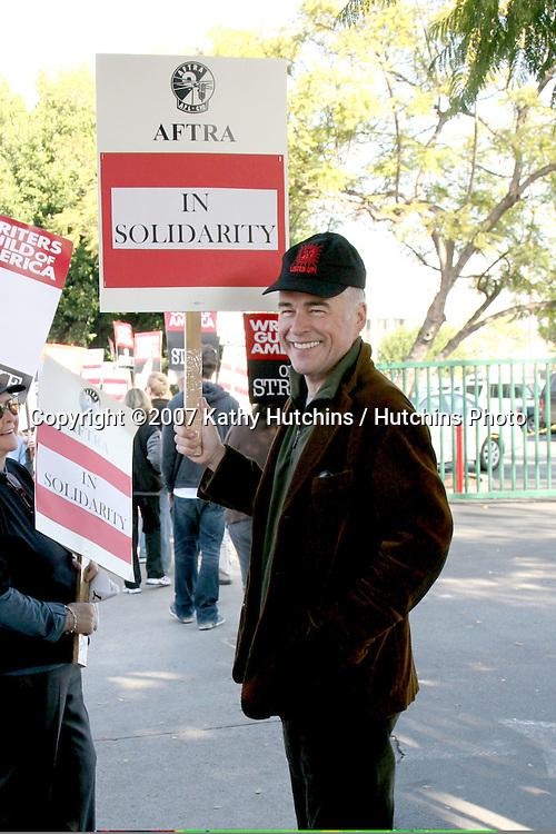Ian Buchanan.Soap Opera (AFTRA) Actors Support Writers Guild of America Strike.CBS Television City.December 17, 2007.Los Angeles, CA.©2007 Kathy Hutchins / Hutchins Photo...