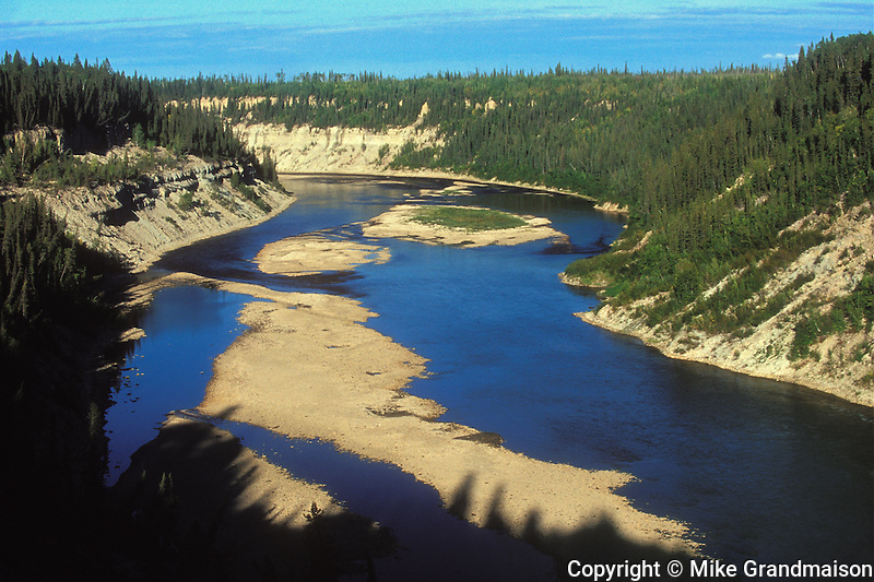 The Hay River and the boreal forest (Mackenzie Highway)<br /> Enterprise<br /> Northwest Territories<br /> Canada