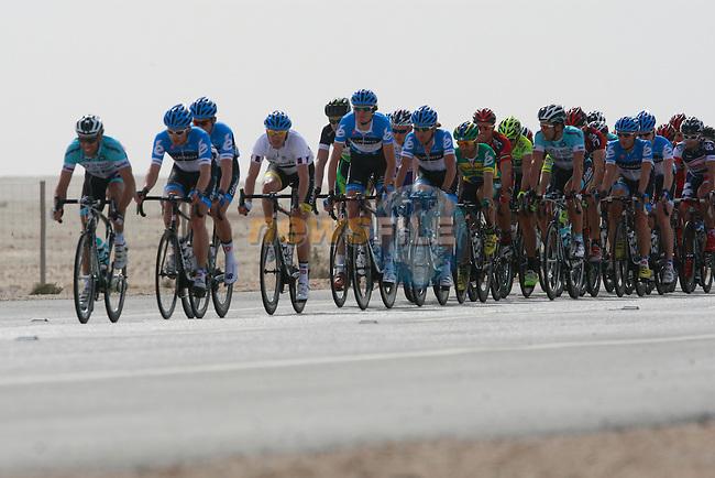 The pelethon at the 1st bonus sprint point near Umm Al Qahab during the 3rd Stage of the 2012 Tour of Qatar from Dukhan to Al Gharafa Stadium, Doha, Qatar, 7th February 2012 (Photo Eoin Clarke/Newsfile)
