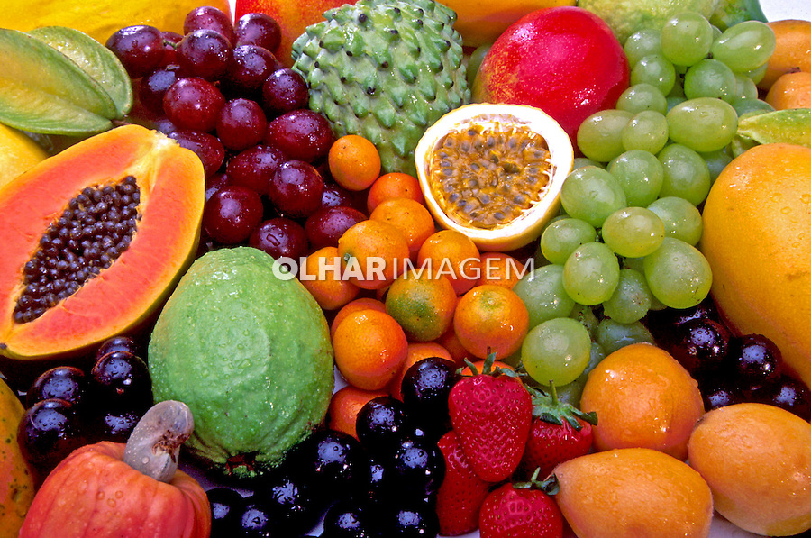 Variedade de frutas. Foto de Stefan Kolumban.