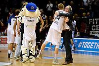GRONINGEN - Basketbal, Donar - Telenet Giants Antwerp, Martiniplaza,  Europe Cup, seizoen 2017-2018, 06-12-2017,  Donar speler Evan Bruinsma viert de overwinning