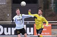 SCT MENEN - OLSA BRAKEL :<br /> Kevin De Haspe (L) en Donovan Habbas (R) richten hun blikken op de bal<br /> <br /> Foto VDB / Bart Vandenbroucke