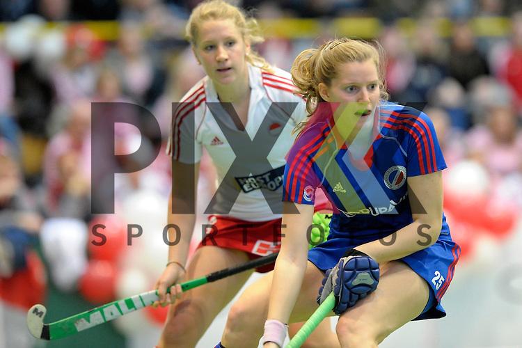 GER - Luebeck, Germany, February 06: During the 1. Bundesliga Damen indoor hockey semi final match at the Final 4 between Rot-Weiss Koeln (white) and Mannheimer HC (blue) on February 6, 2016 at Hansehalle Luebeck in Luebeck, Germany. Final score 1-2 (HT 0-2).   Laura Bassemir #25 of Mannheimer HC, Paula Velmans #13 of Rot-Weiss Koeln<br /> <br /> Foto &copy; PIX-Sportfotos *** Foto ist honorarpflichtig! *** Auf Anfrage in hoeherer Qualitaet/Aufloesung. Belegexemplar erbeten. Veroeffentlichung ausschliesslich fuer journalistisch-publizistische Zwecke. For editorial use only.