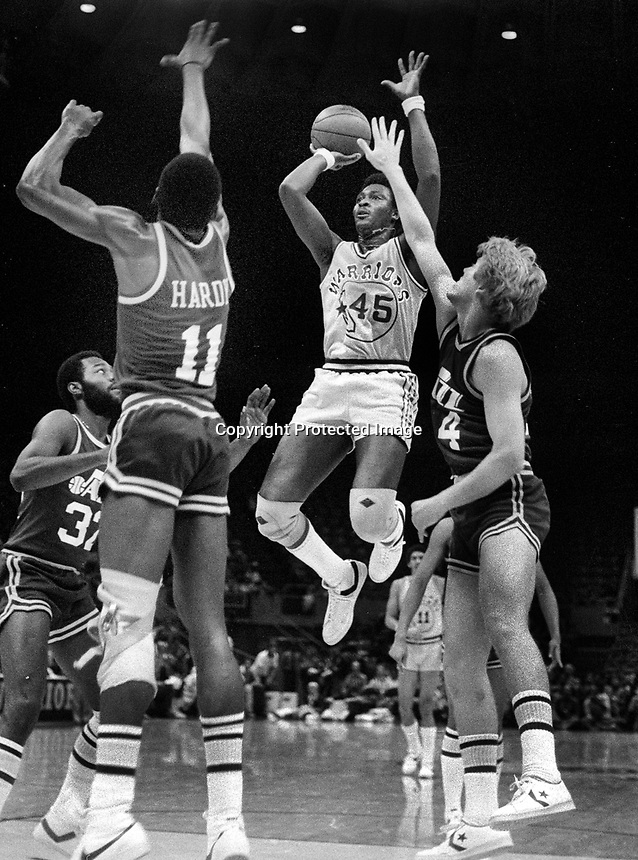 Goldden State Warriors Purvis Short up against the Utah Jazz, <br />(photo 1979/Ron Riesterer)